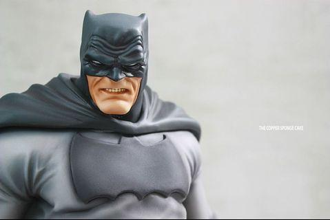 🚚 Custom 1/5 Batman: Army of One