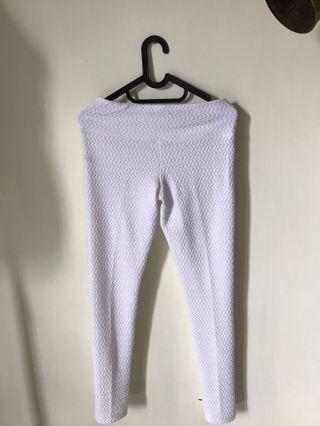 Celana Putih Emboss / White Pants