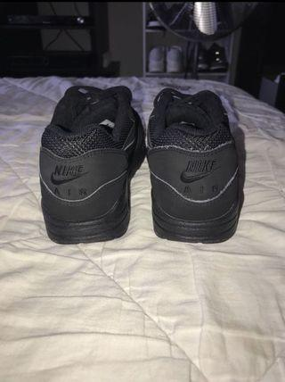 Nike Black Air Maxies