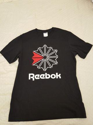 🚚 全新正品reebok黑色t恤