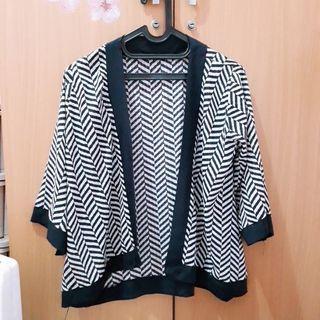 Kimono Cardi Black n White