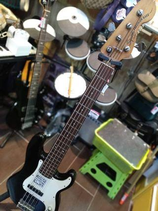 Squier by Fender Standard P Bass Special 5 5-String Bass  Indonesia