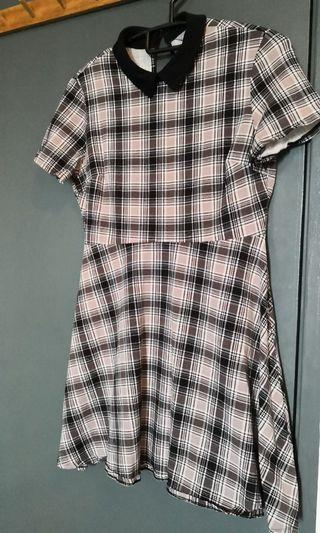Dorothy Perkins Plaid dress with collar