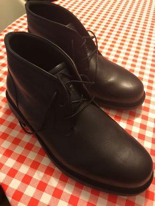 Dunham boots Mens size 46