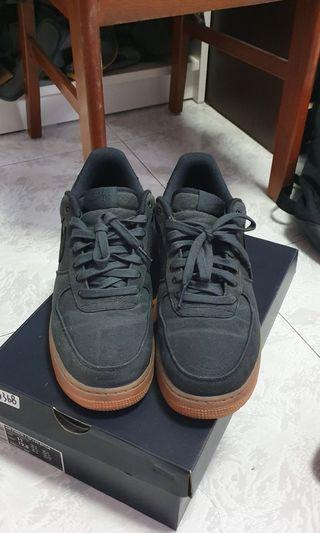 premium selection 774d5 f7b58 Nike Air Force 1 07 Lv8 Black Gum