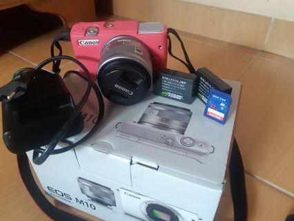 Canon M10
