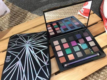 VICE 4 eyeshadow palette