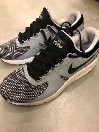 Nike Air Max Jordan Kobe Adidas kyrie kd curry