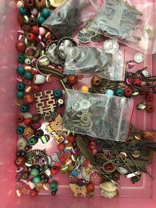 各種頸鏈耳環配件玻璃珠仔diy