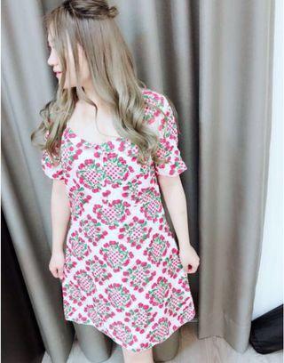 香港🇭🇰帶回 專櫃正品 品質保證 🍒洋裝