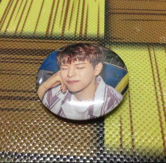 STRAY KIDS I AM WHO OFFICIAL GOODS - SEUNGMIN PIN BUTTON