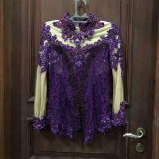purple kebaya
