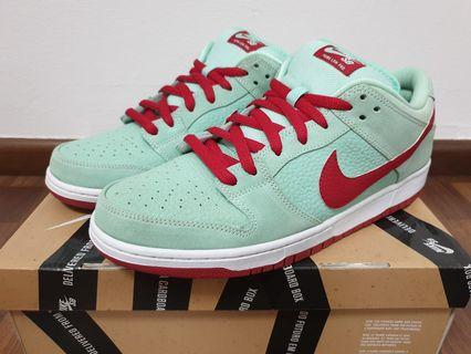 a6d1c02b997ef Nike SB Dunk Low