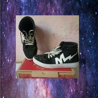 Sepatu pria