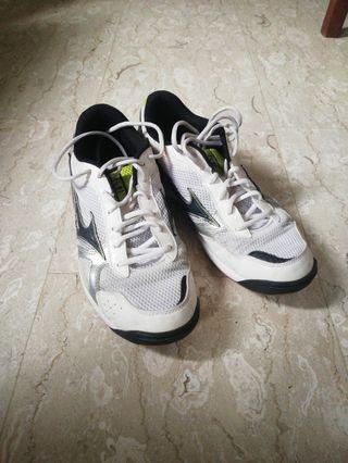 🚚 Mizuno Badminton Shoes