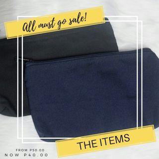 Plain pouch black blue