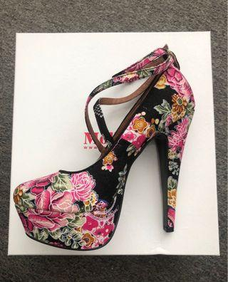 Mollini size38 floral high heels