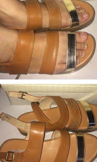 Sepatu sandal/slip on Nevada