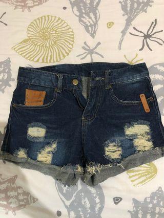 Hotpants ripped
