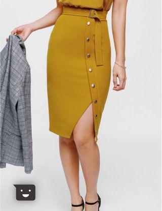 [BRAND NEW] Love Bonito Oesley Belted Button Pencil Skirt size M $20