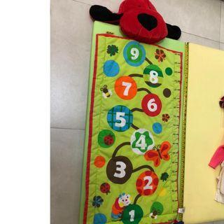 measuring mat  (tommy hilfiger,mothercare,jcrew, crewcuts, chickeeduck, kingcow, carter, elle, crewcuts, zara kids, baby gap, gap, disney, polo)