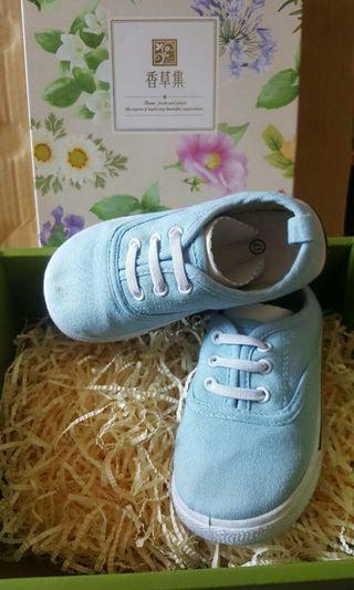 🚚 男童鞋二手淺藍帆布鞋