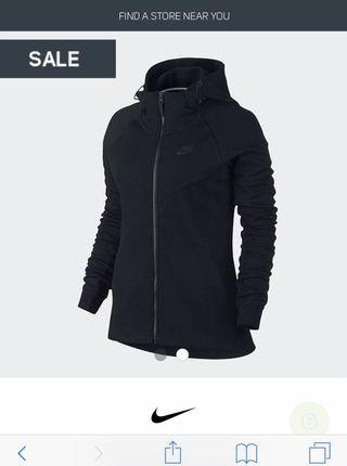 Nike women tech fleece hoodie size M