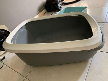 Large cat litter box for cats/ kittens/ small animals