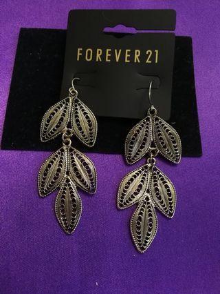 Earrings /accessory
