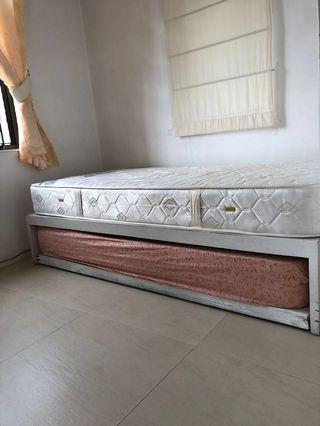 Bed with two Vono mattresses