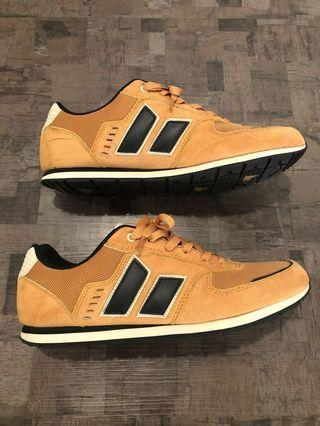 Macbeth Fischer Ochre/ Black (VEGAN) shoe