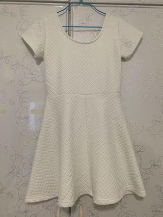 🚚 White Dress #EndgameYourExcess
