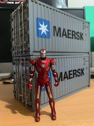 🚚 MAERSK Metal container Diorama