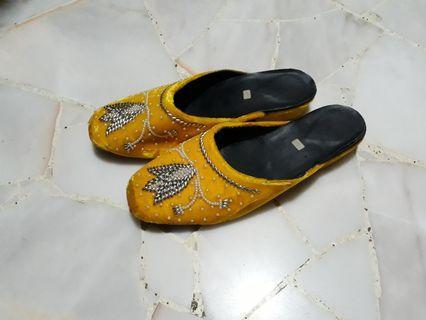 Vintage Sandals #EndgameYourExcess