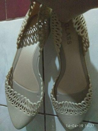 Sepatu jelly cream anggun