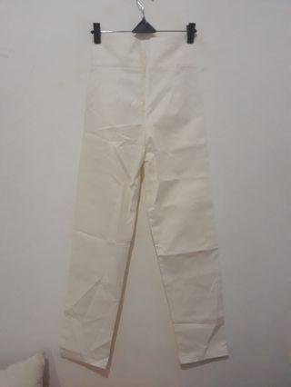 White Pants by Novere #mudikhemat
