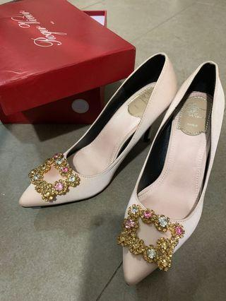 🚚 RV heels