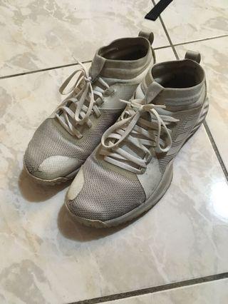 Adidas training shoes 訓練鞋 襪套
