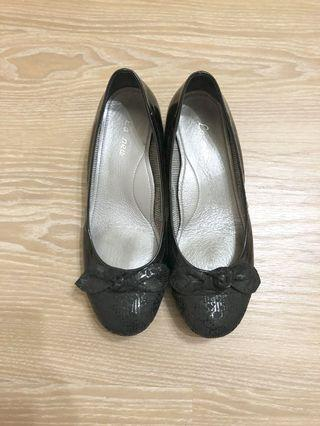 🚚 🥿La new 黑色低跟淑女鞋23號