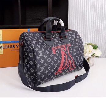 Louis Vuitton speedy Bandouliere 40 LV bag travel bag Burberry bally