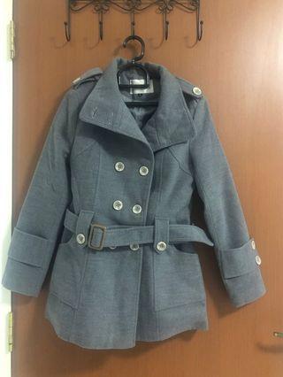 🚚 Grey coat