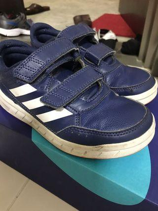 🚚 Kids Adidas Shoes US size 12 1/2K