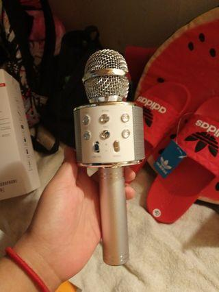🚚 Microphone