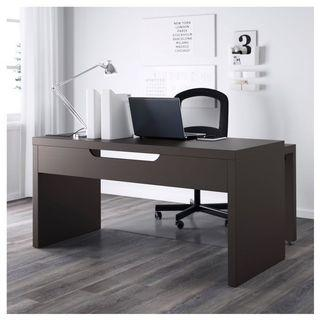 🚚 IKEA MALM desk with pull out extension