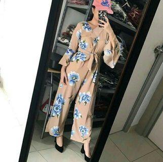 Peony jumpsuit flower cream krem