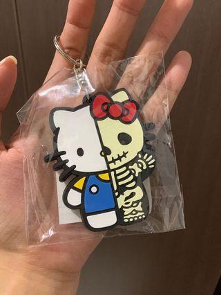 🚚 hello kitty x secret base keychain