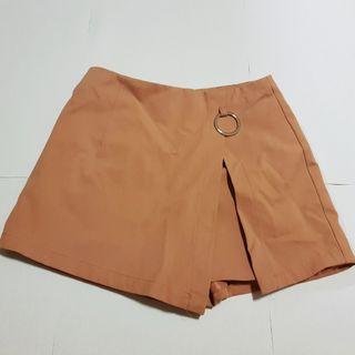 🚚 Brown Skorts