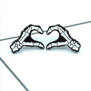 [BUY 3 FREE 1] set of best friend skeleton hand enamel pin