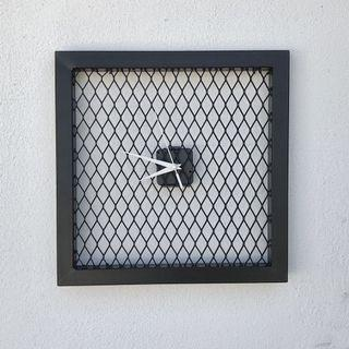 Steel meshes wall clock