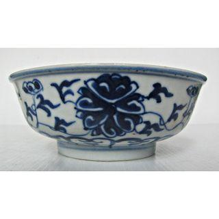 Fine Chinese Qing Blue & White Lotus Shallow Bowl. (青花缠枝莲纹小碗)